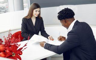 signer une promesse de vente, un compromis de vente, ou un acte de vente